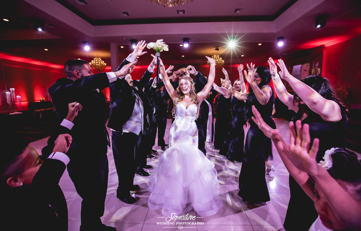 How to Find the Best Photographer for Your Wedding