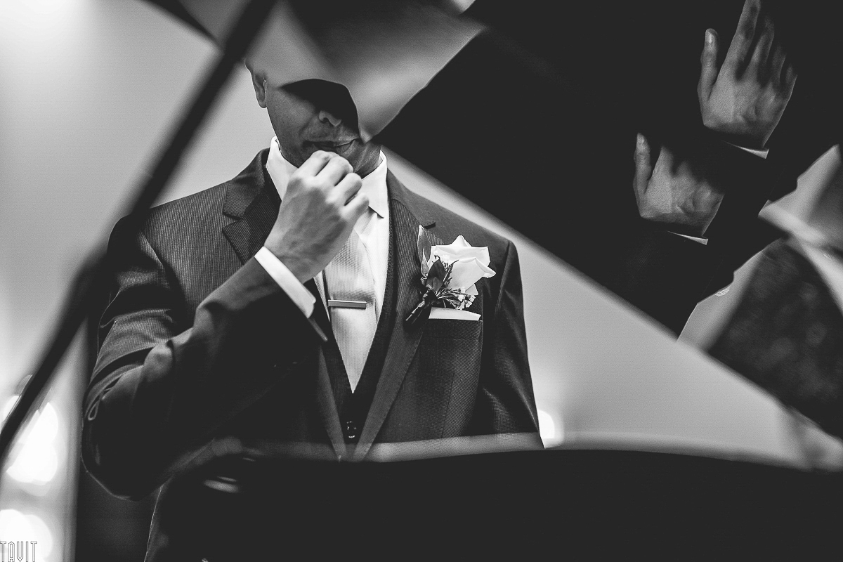 Groom Photography black and white