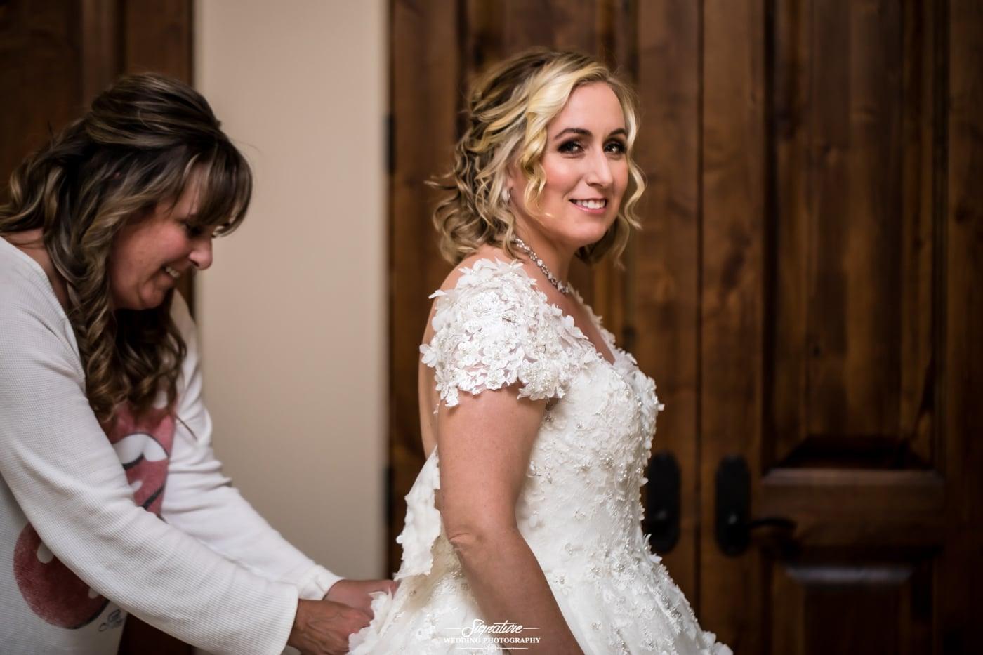 bride and bridesmaid photography 35