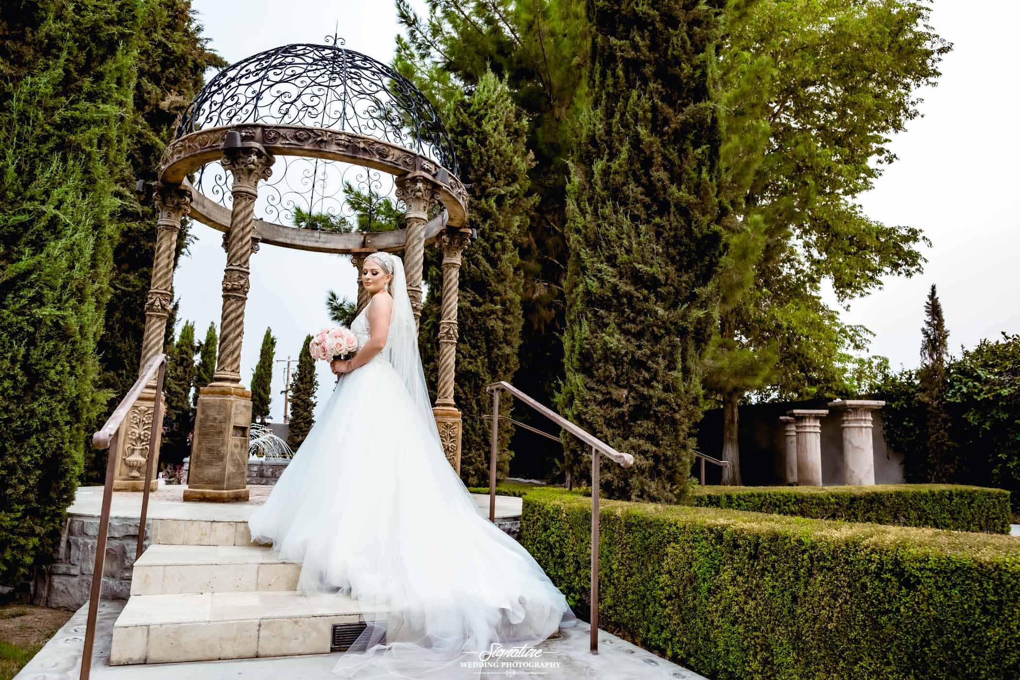 bride and bridesmaid photography 3