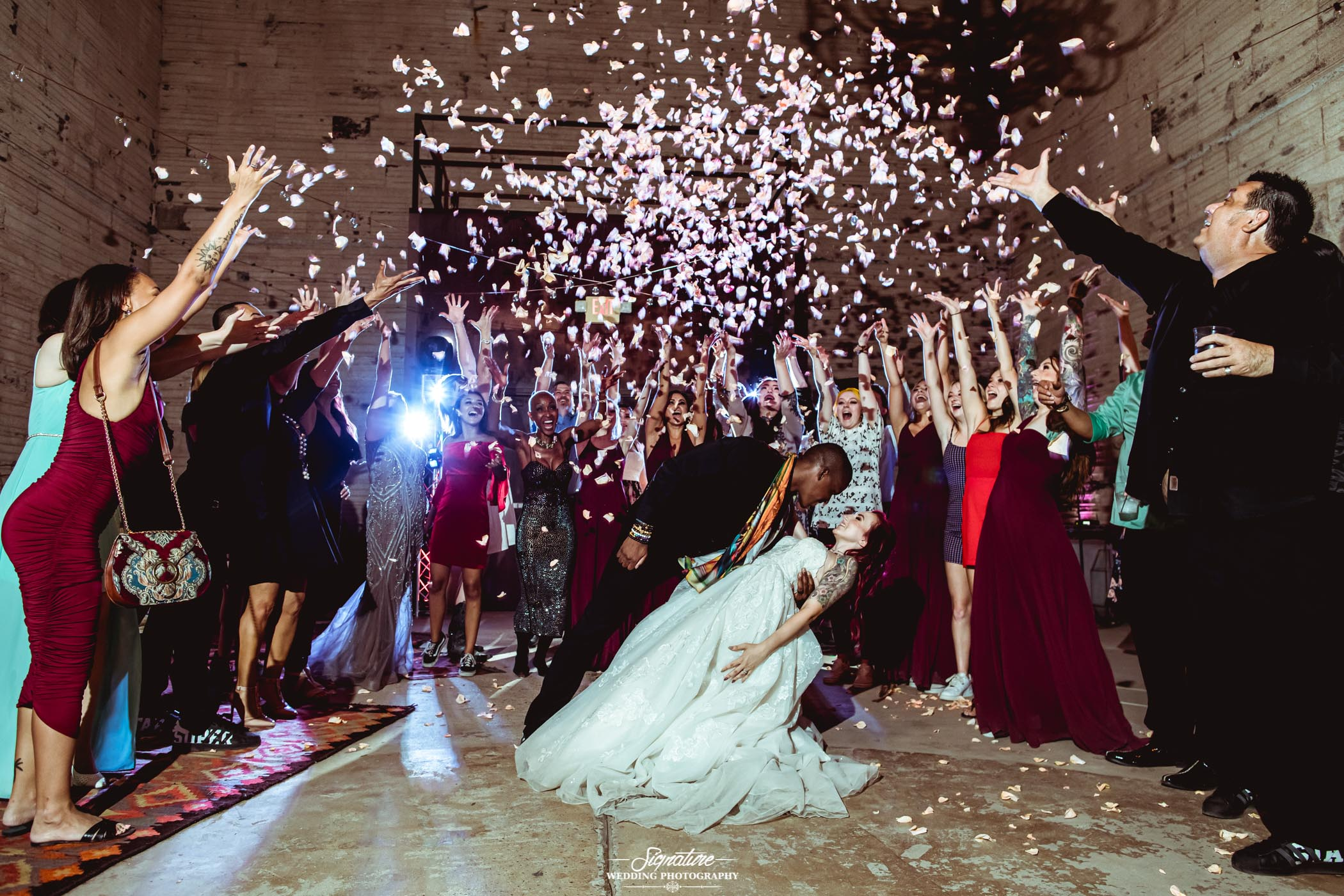 6 Fantastic Props To Have on Your Wedding Day